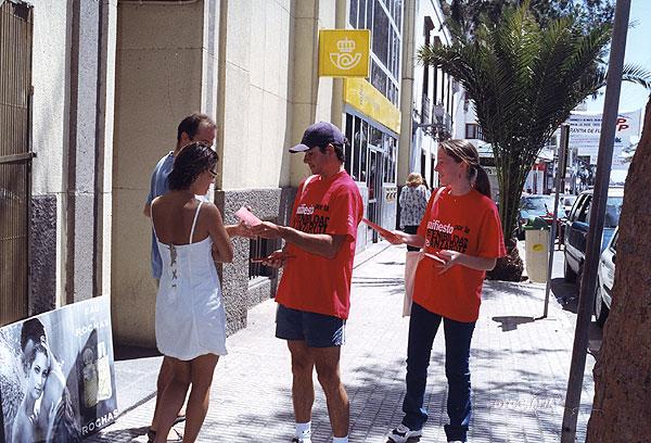 Voluntarios durante la campaña